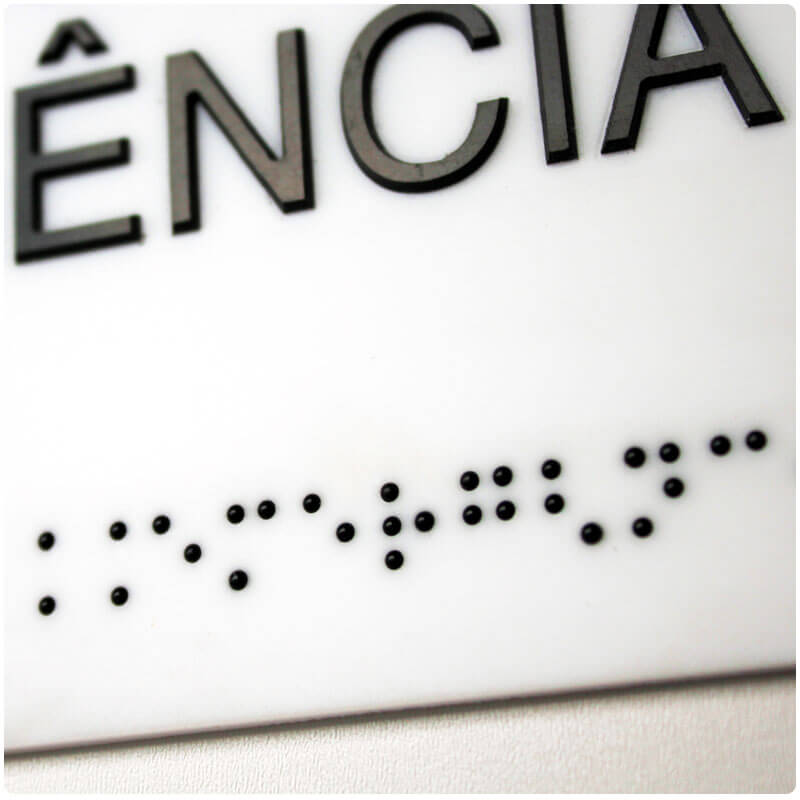 Placas em Braille