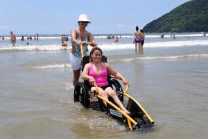Eventos de acessibilidade  tem acontecido através do programa Praia Acessível (Foto: Dirceu Mathias/PMB)